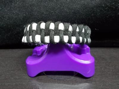 Weavy loops bracelet Black and White