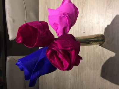 Idee bricolage enfant fleur en papier crepon
