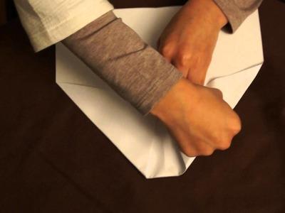Comment faire un avion en papier qui vole bien sans pointe qui s'écrase.