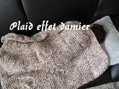 Tricoter un plaid. couverture façon damier