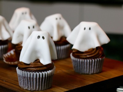 Recette Halloween : Cupcakes fantôme au chocolat faciles et moelleux