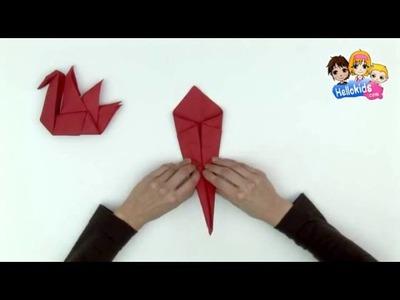 Pliage de serviette en papier en forme d'oiseau (Hellokids)