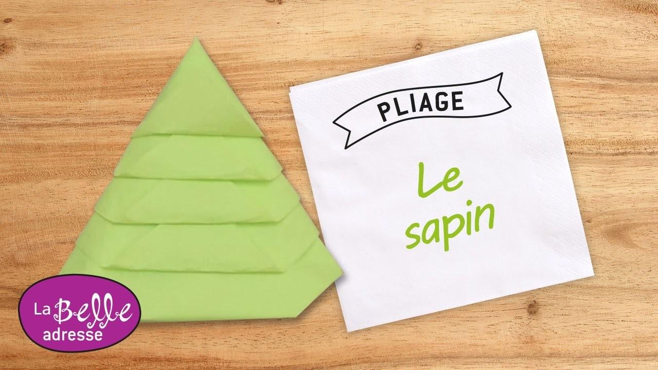 pliage de serviette en papier en forme de sapin labelleadresse. Black Bedroom Furniture Sets. Home Design Ideas