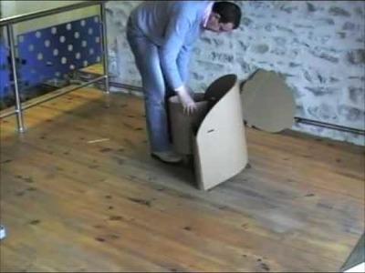 Montage d'un fauteuil en carton Orika