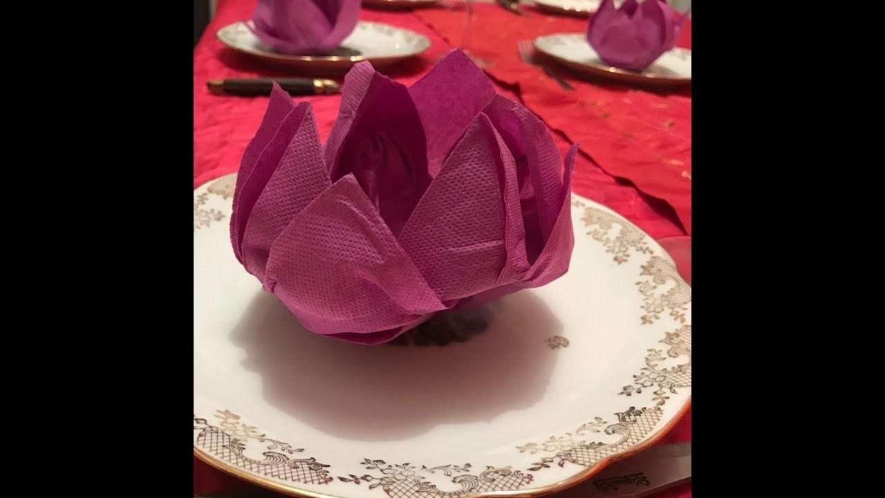 fleur de lotus pliage de serviette art de la table origami. Black Bedroom Furniture Sets. Home Design Ideas