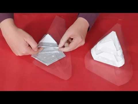 comment faire des serviettes de table en forme de sapin diy. Black Bedroom Furniture Sets. Home Design Ideas
