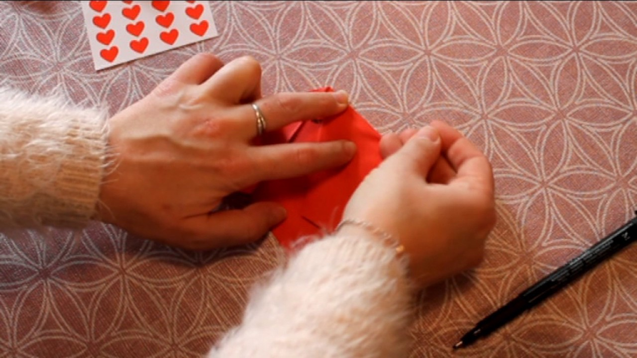 Origami coeur qui souvre my crafts and diy projects for Miroir qui s ouvre