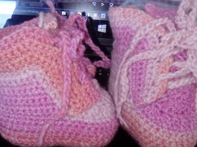 Chaussons bébé au crochet 1-2