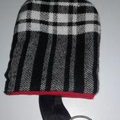 cache clé noir blanc et rouge /beige a carreaux et petit motif