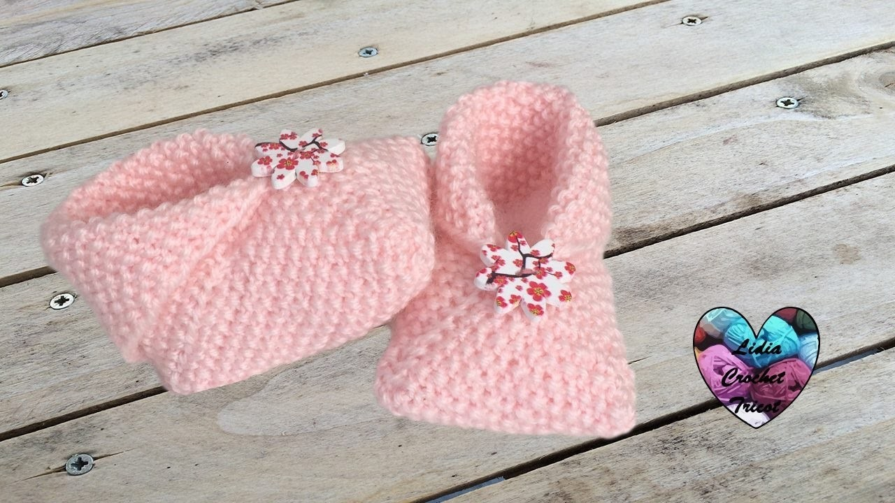 Chaussons  tricot 0.3 mois débutant. Baby shoes knitting tutorial (english subtitles)